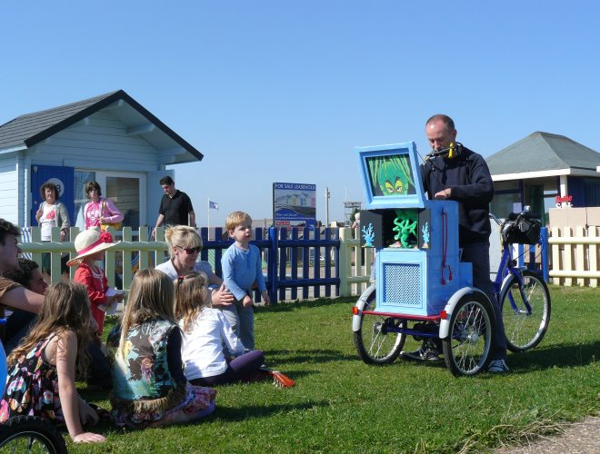 Storytelling - on the sea front